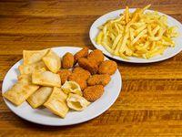 Promo picada - 10 nuggets de pollo sadia + 10 empanaditas de queso mozzarella + papas fritas lider + bebida de 1.5 L