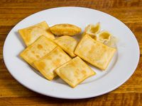 8 empanaditas de queso muzzarella