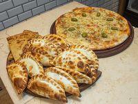 Promo - Pizza con muzzarella grande + 12 empanadas + 2 fainá