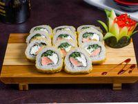 85 - Tempura sake roll (10 piezas)