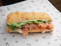 Sándwich smoked salmón