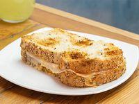 Tostado de jamón y queso