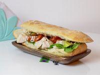 Sándwich de pollo y verdura