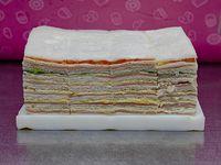 50 sándwiches triples surtidos clásicos