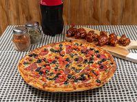 Promo 4 - Pizza mediana clásica + bebida 1.5 L + alitas BBQ