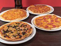 Combo 9 - 4 pizzas 32 cm a elección + bebida 1.5 L