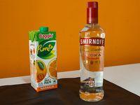 Combo 17 - Vodka Smirnoff 750 ml + jugo Baggio de naranja 1 L