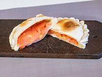 Empanada de jamón y tomate