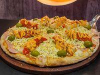 Pizza de Palmitos y salsa golf