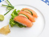 Niguiris de salmón ahumado