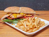 Sándwich de pollo a la mostaza