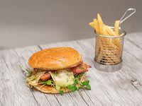 Sándwich porteño con papas fritas (porción 150 g)