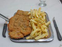 Milanesa con papas fritas