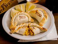 Empanada de choclo, cebolla y queso