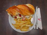 Sandwich de bondiola a la barbacoa
