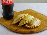 Promo  - 3 empanadas a elección + Coca Cola 600 ml