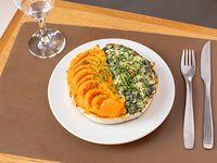 Tarta bicolor con ensalada de 3 ingredientes