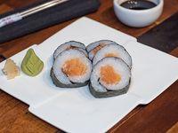 Maki roll de salmón