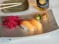 Nigiri salmón ahumado (5 piezas)