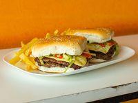 Hamburguesa doble con papas fritas