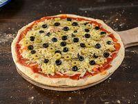 Pizzeta muzzarella artesanal con aceitunas