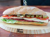 Sándwich de salamín Milán