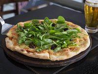 Pizza mozzarella y rúcula