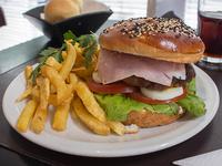 Promo - Hamburguesa casera completa + papas fritas  + bebida