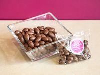 Almendras bañadas en chocolate (100 g)