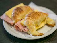 Medialunas de jamón y queso (2 unidades)