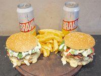 Combo 4 - 2 Hamburguesas Manhattan summer + papas fritas + 2 Latas de Brahama 473 ml