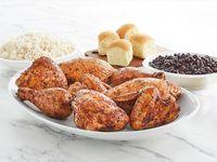 Pollo Entero con 2 Acompañamientos + 4 Panes