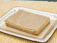 Sándwich de miga de jamón crudo y queso