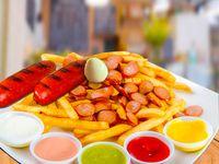 Salchipapa con Chorizo