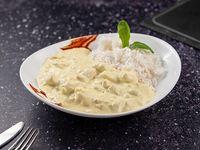 Strogonoff de pollo con arroz