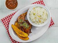 Combo almuerzo - pollo asado o al horno + arroz blanco + menestra del día, tajadas