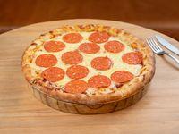 Pizza con muzarella y pepperoni