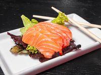 Sashimi de salmón (10 piezas)