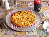 Pizza Mediana + Bebida Gratis