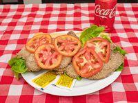 Promo - Sándwich de milanesa con lechuga y tomate + refresco Coca Cola en lata 354 ml