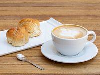 1 cafe + 2 medialunas dulces chicas