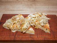Pizza fugazzeta rellena con jamón y queso por porción