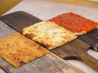 Promo 2 - 1/4 metro de pizza + 1/4 metro de pizza muzzarella + 1/4 metro de fainá