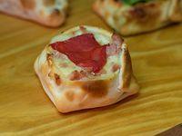 Empanada de jamón y morrón