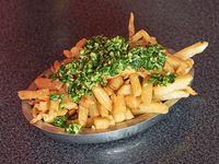 Porción papas fritas con provenzal