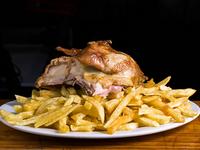 Promo 4 - 1/4 pollo pechuga + papas fritas + bebida en lata 350 ml