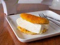 Desayuno - Arepa queso telita
