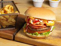 Combo - Hamburguesa chuletón ahumado + papas fritas + bebida 350 ml
