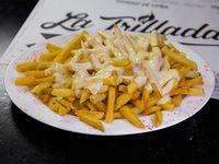 Papas fritas con salsa de champiñones
