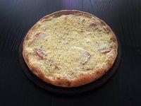 Pizza provolone al tomate